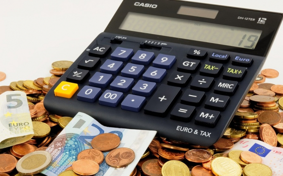 Эльвира Набиуллина раскрыла причины, по которым не исчезнут банковские карты и наличные